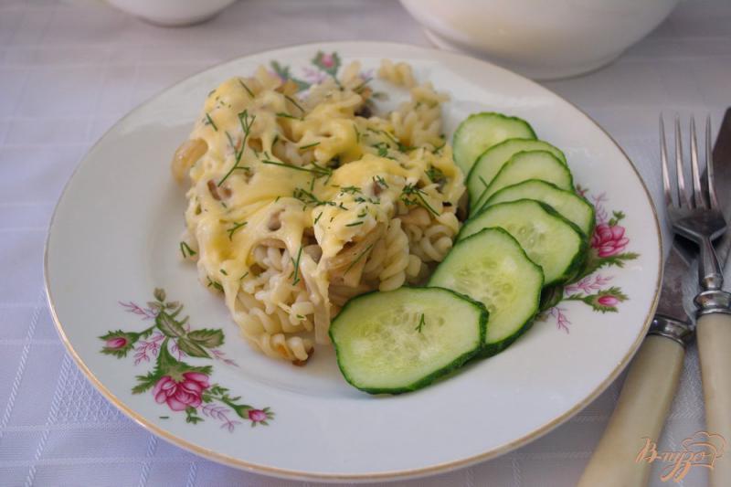 Фото приготовление рецепта: Запеканка из макарон с грибами и сыром шаг №8