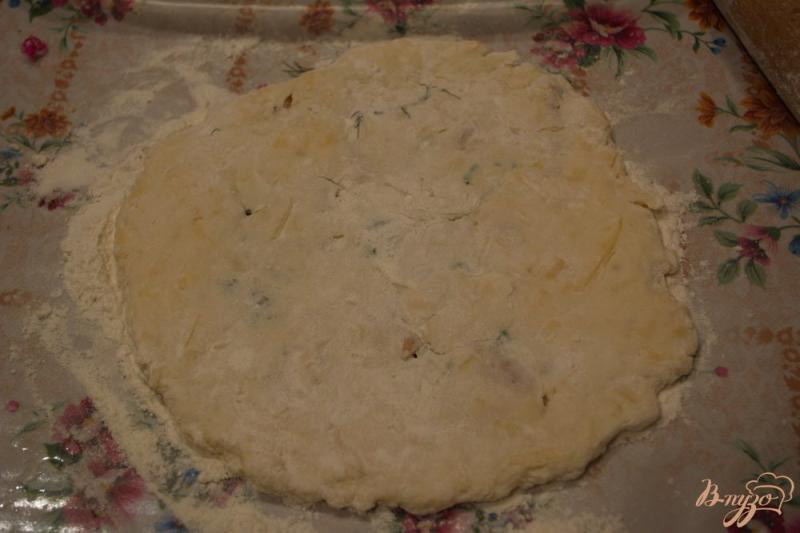 Фото приготовление рецепта: Аля осетинский пирог, но без дрожжей шаг №5