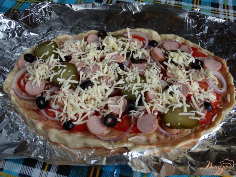 Пицца на ряженке с сосисками и маслинами - рецепт пошаговый с фото