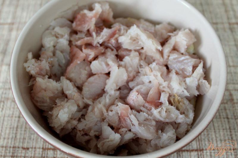 Фото приготовление рецепта: Рыбные палочки в духовке шаг №2