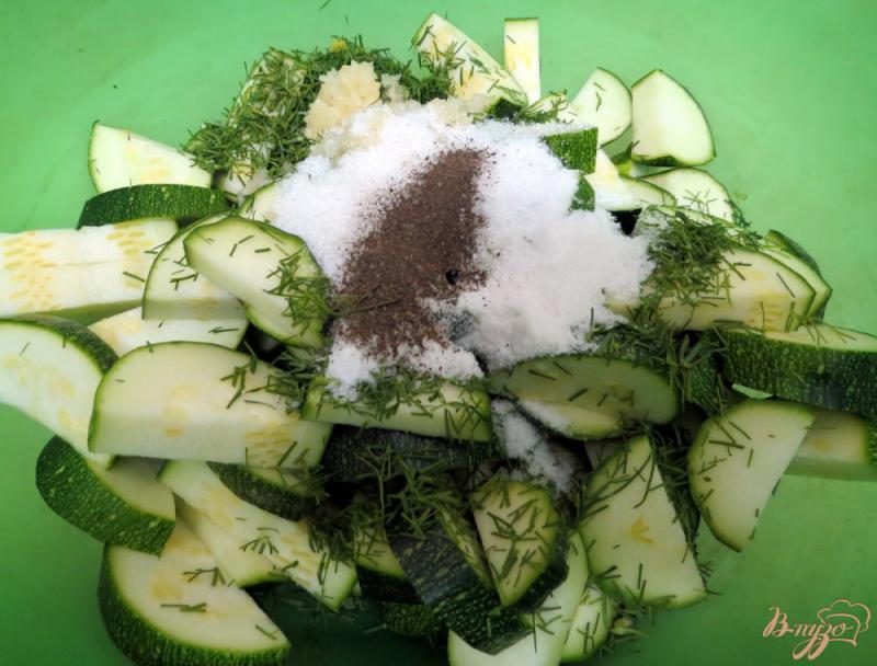 Фото приготовление рецепта: Цуккини как грибы шаг №5