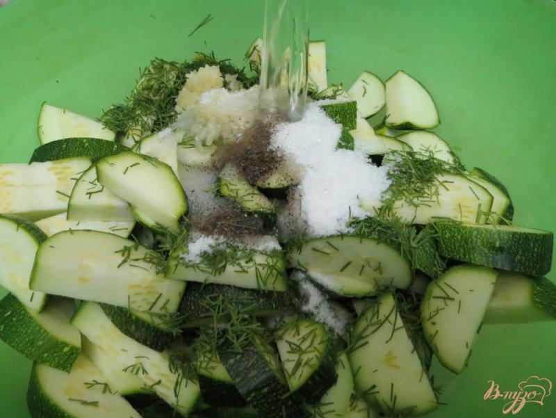 Фото приготовление рецепта: Цуккини как грибы шаг №6