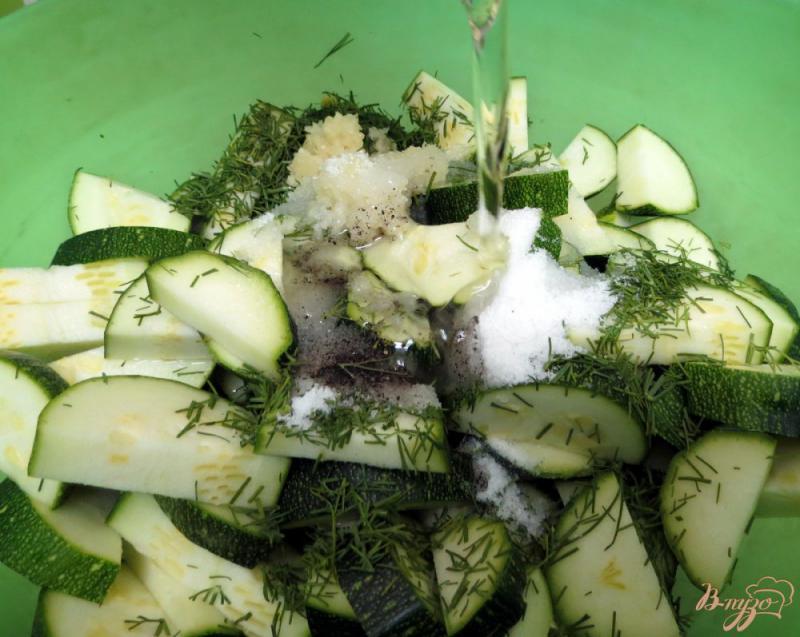 Фото приготовление рецепта: Цуккини как грибы шаг №7