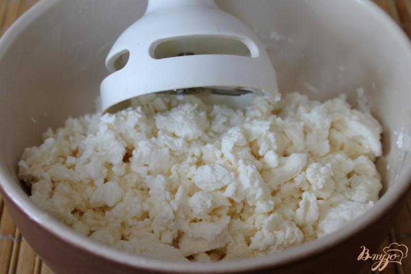 Фото приготовление рецепта: Творожное суфле для детей шаг №1