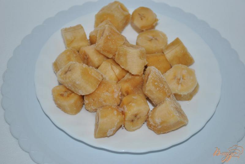 Фото приготовление рецепта: Мороженое банановое с авокадо шаг №1