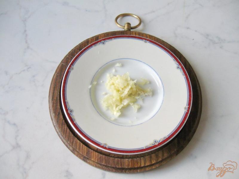 Фото приготовление рецепта: Помидоры в медово - соевом маринаде с чесноком и горчицей шаг №3