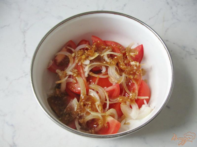 Фото приготовление рецепта: Помидоры в медово - соевом маринаде с чесноком и горчицей шаг №8