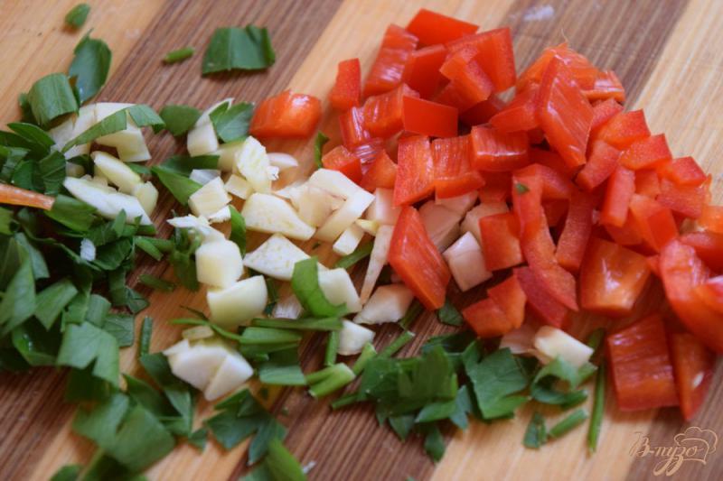 Фото приготовление рецепта: Мидии в томатном соусе шаг №1
