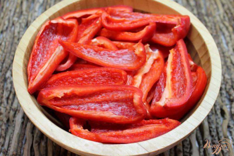 Фото приготовление рецепта: Вареная аджика с яблоками шаг №1