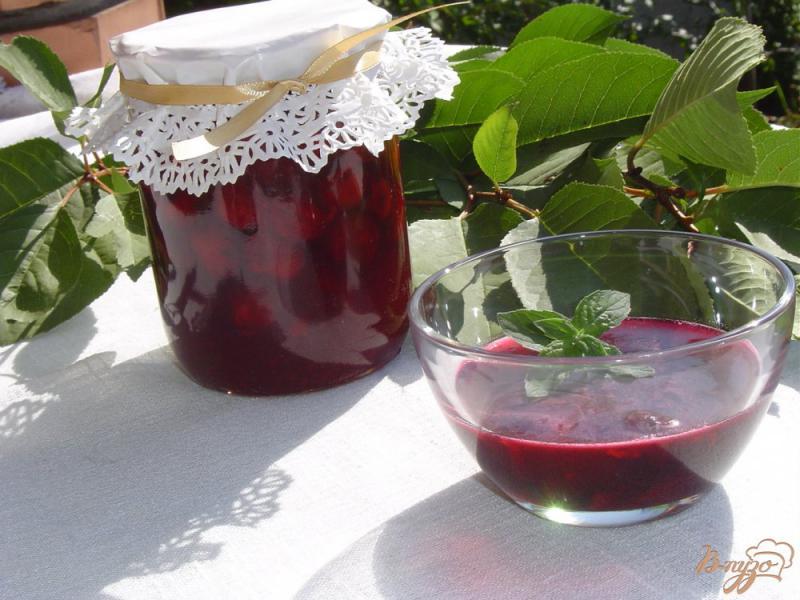 Фото приготовление рецепта: Вишня в желе на зиму шаг №8