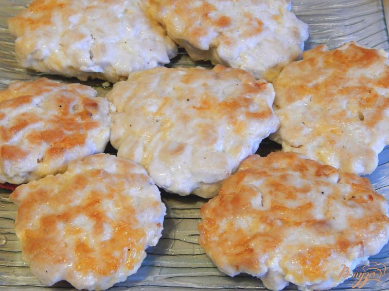 Фото приготовление рецепта: Котлеты рубленые из куриной грудки с сыром шаг №8