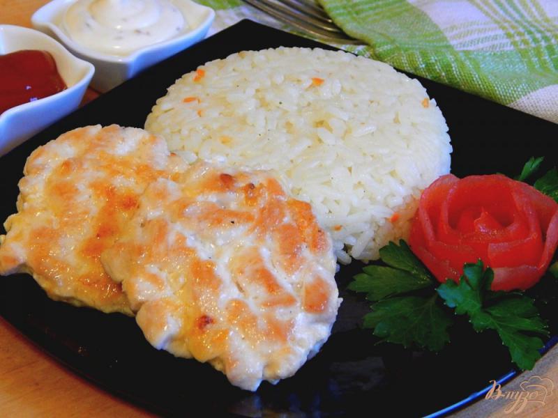 Фото приготовление рецепта: Котлеты рубленые из куриной грудки с сыром шаг №10