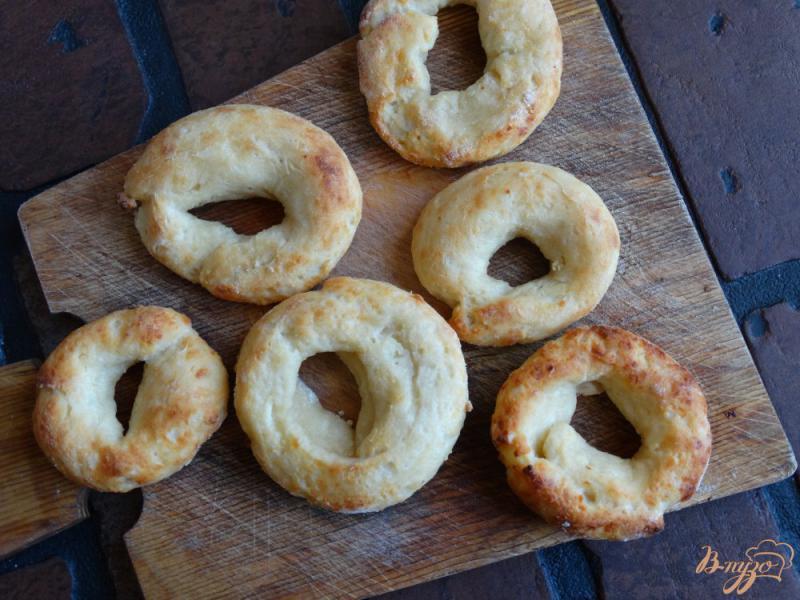 Фото приготовление рецепта: Творожные бублики для детей шаг №9
