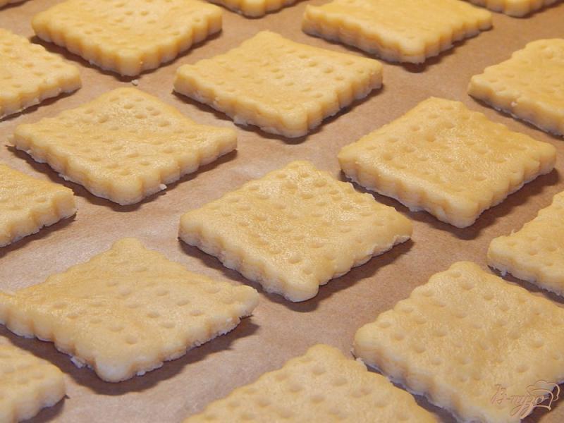 Фото приготовление рецепта: Рассыпчатое песочное печенье шаг №6