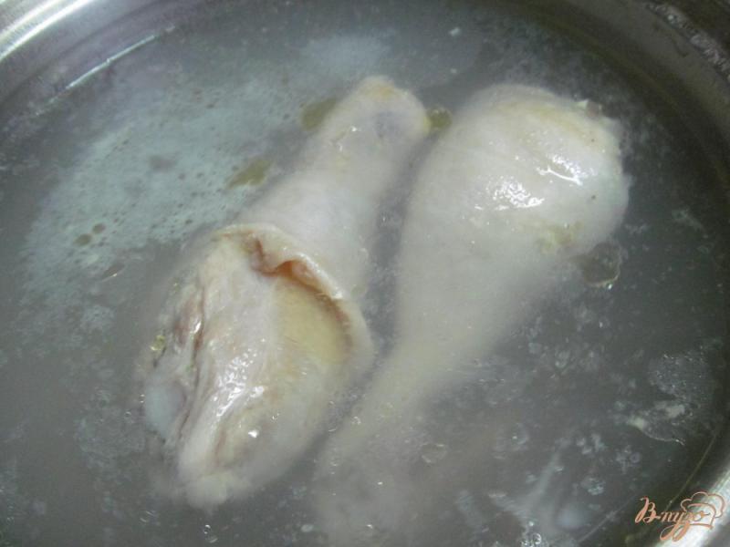Фото приготовление рецепта: Куриный суп с пастой орзо шаг №1