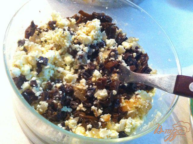 Фото приготовление рецепта: Яйца фаршированные белыми грибами шаг №6