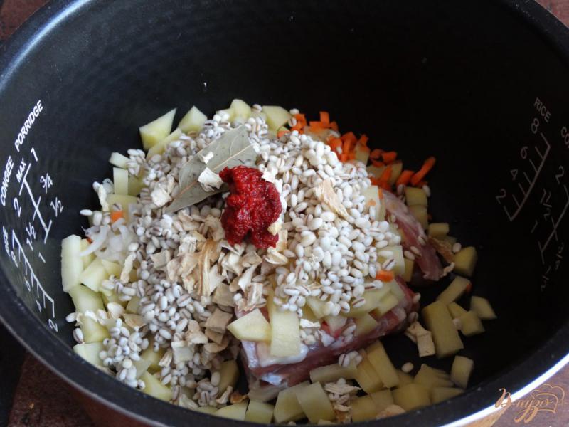 Фото приготовление рецепта: Перловый суп в мультиварке шаг №5