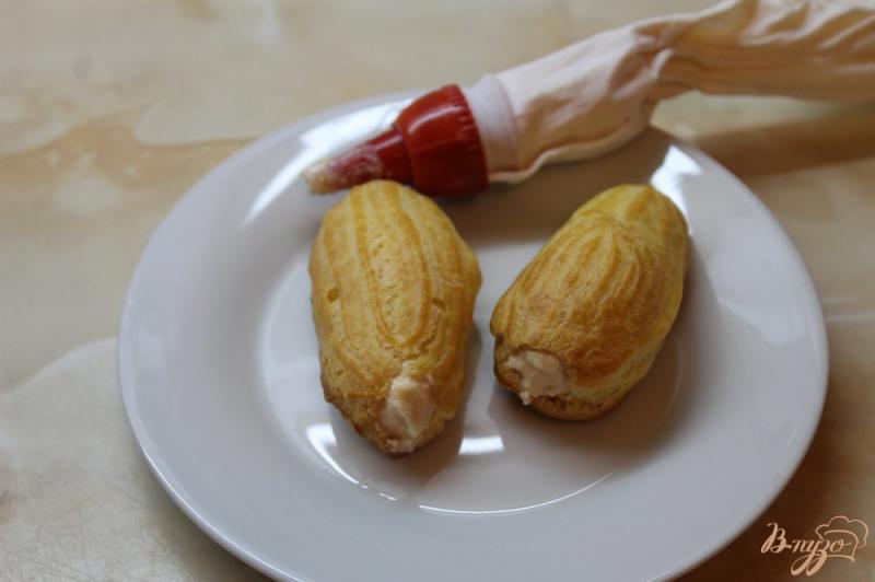 Фото приготовление рецепта: Заварное пирожное с творожным кремом внутри шаг №12