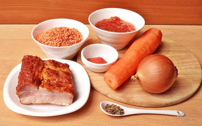 Фото приготовление рецепта: Суп с чечевицей и копчёными рёбрышками шаг №1