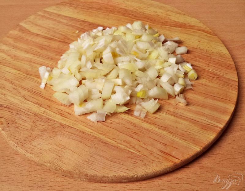 Фото приготовление рецепта: Суп с чечевицей и копчёными рёбрышками шаг №3