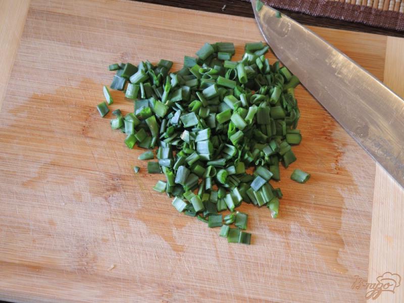 Фото приготовление рецепта: Окрошка с жареной картошкой шаг №7