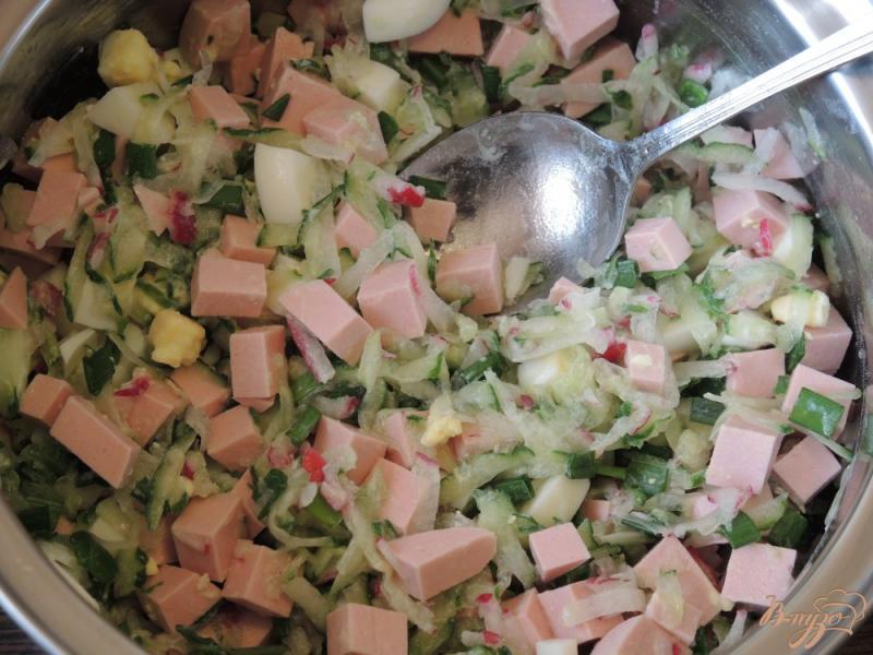 Фото приготовление рецепта: Окрошка с жареной картошкой шаг №9