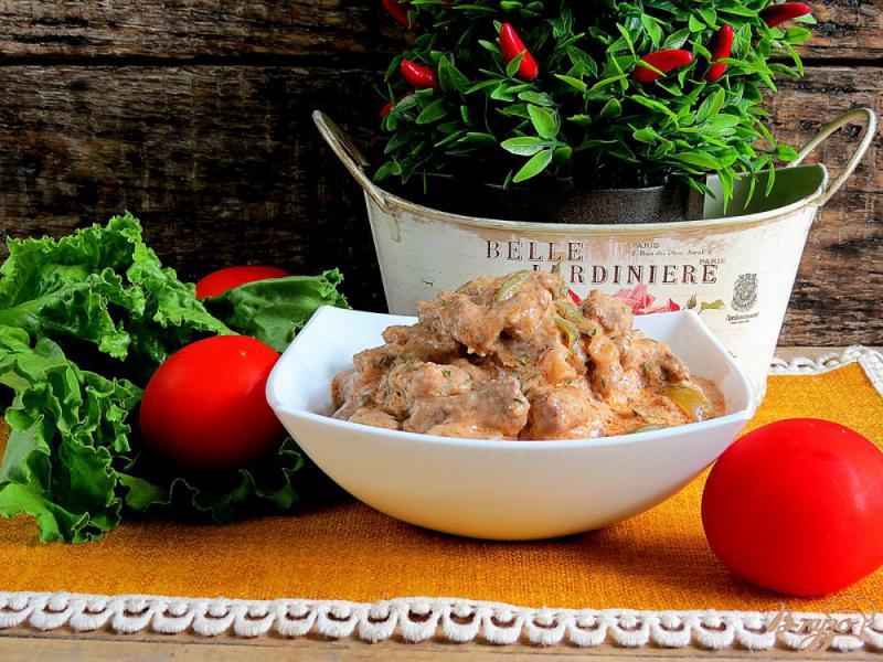 Фото приготовление рецепта: Бефстроганов из говядины с солёными огурцами шаг №11