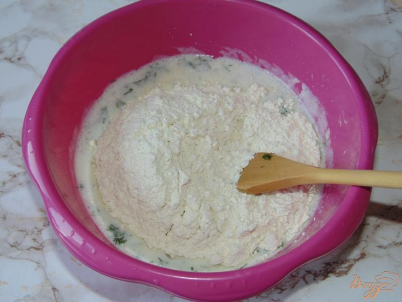 Фото приготовление рецепта: Творожные лепешки на кефире с укропом шаг №4