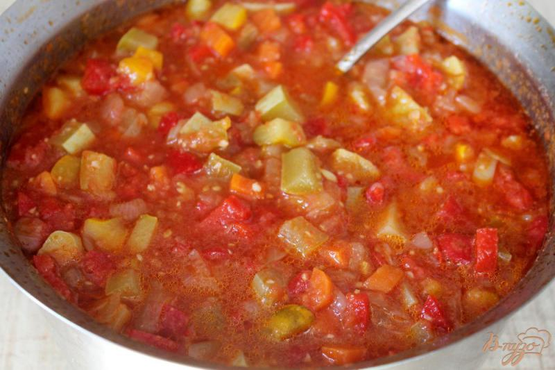 Фото приготовление рецепта: Патиссоны с перцем в томате шаг №8