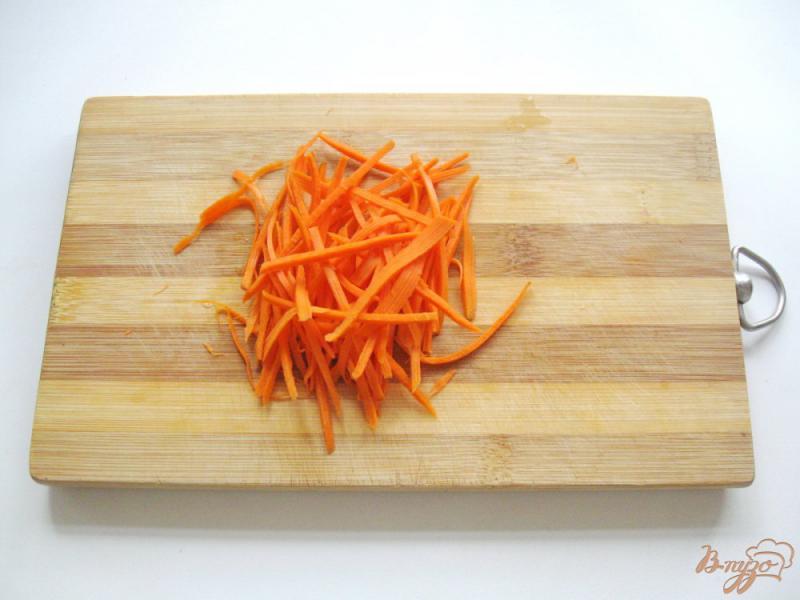 Фото приготовление рецепта: Маринованные кабачки с морковью шаг №3
