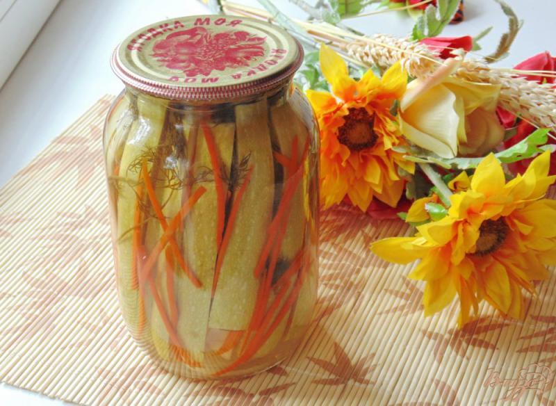 Фото приготовление рецепта: Маринованные кабачки с морковью шаг №10