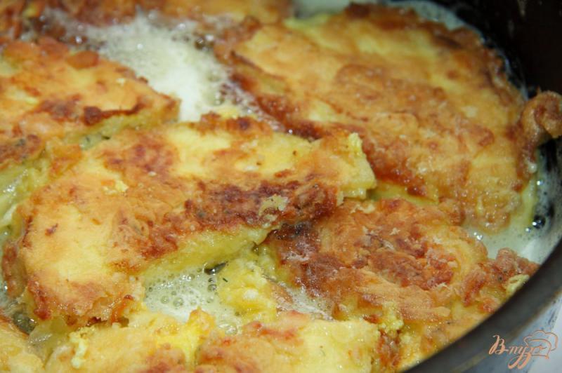 Фото приготовление рецепта: Жареные патиссоны с сыром шаг №6