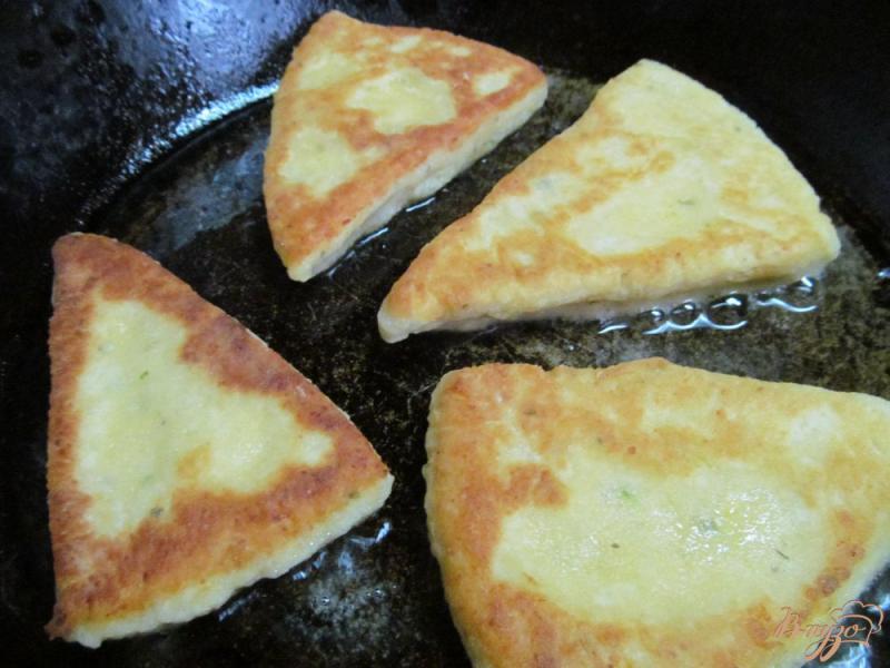 Фото приготовление рецепта: Ирландские картофельные сконы шаг №7