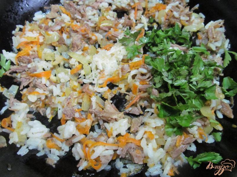 Фото приготовление рецепта: Кабачковые рулеты с мясом и рисом шаг №6