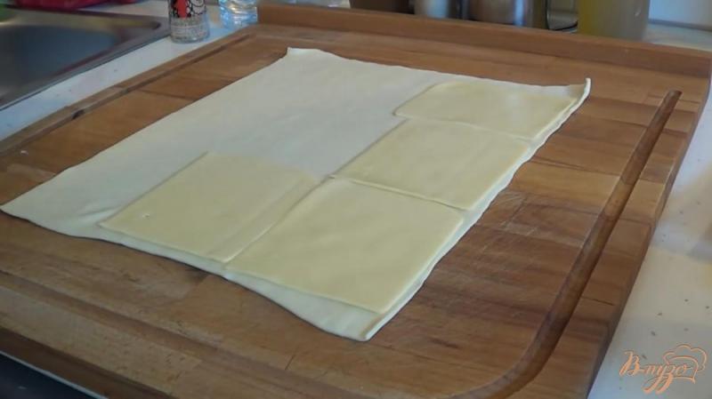 Фото приготовление рецепта: Булочки с беконом и сыром шаг №2