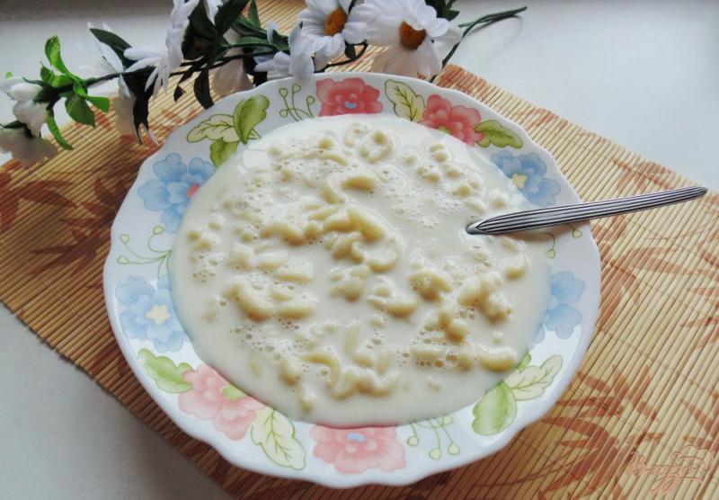 Фото приготовление рецепта: Молочный суп с макаронами «рожки» шаг №5