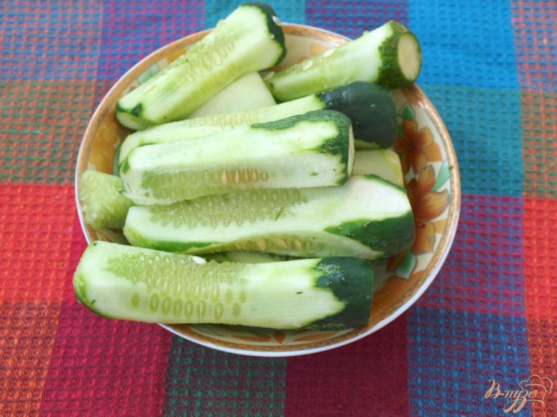 Фото приготовление рецепта: Салат из огурцов по-корейски на зиму шаг №2