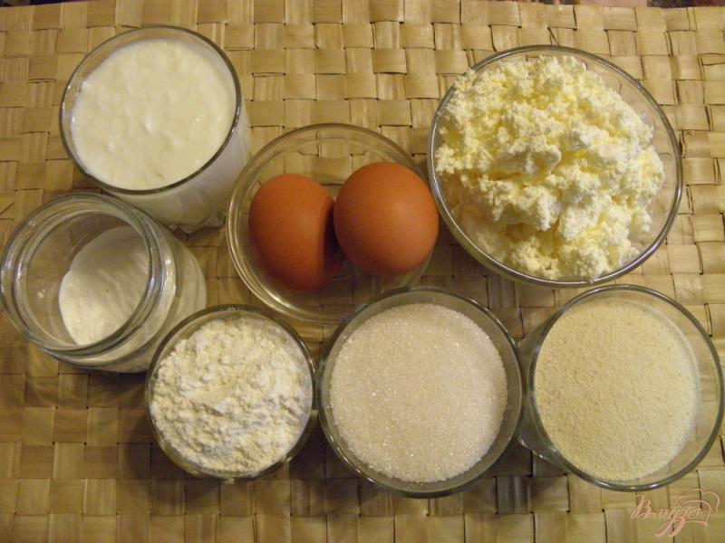 Фото приготовление рецепта: Манник с творогом шаг №1