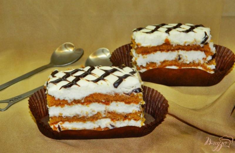 Фото приготовление рецепта: Медовые пирожные шаг №7