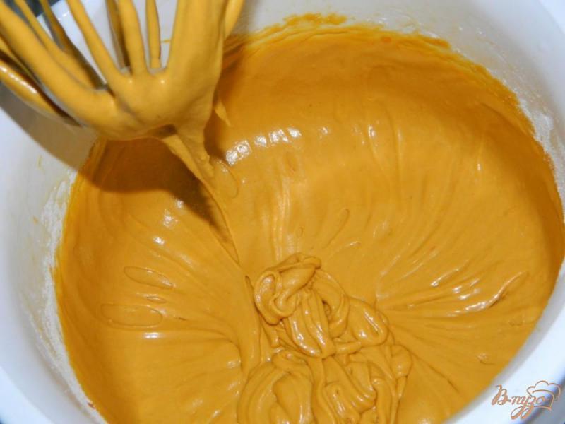 Фото приготовление рецепта: Медовые пирожные шаг №4