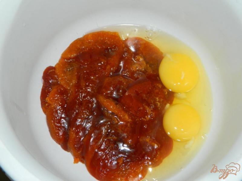Фото приготовление рецепта: Медовые пирожные шаг №3