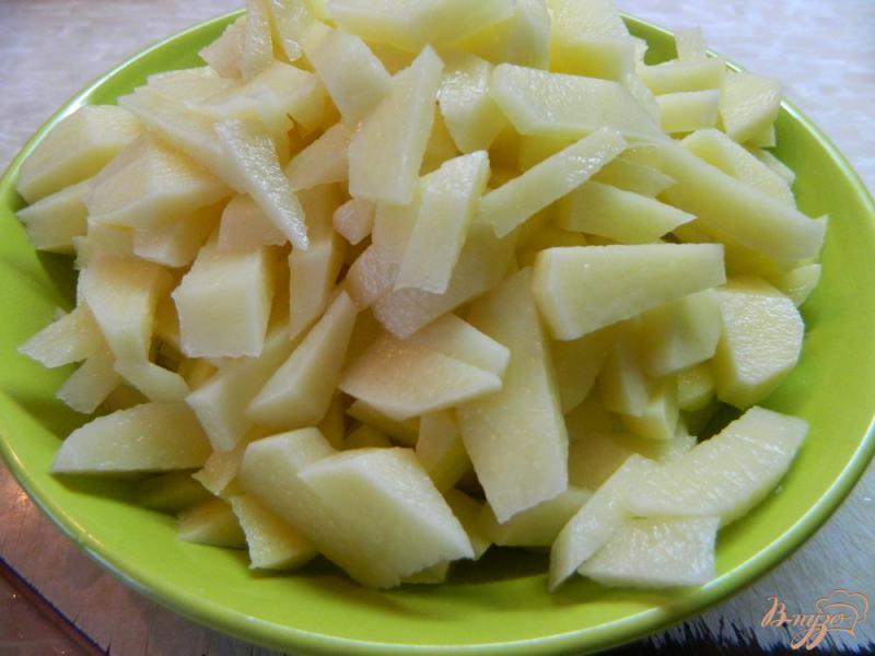 Фото приготовление рецепта: Суп с охотничьими колбасками шаг №1