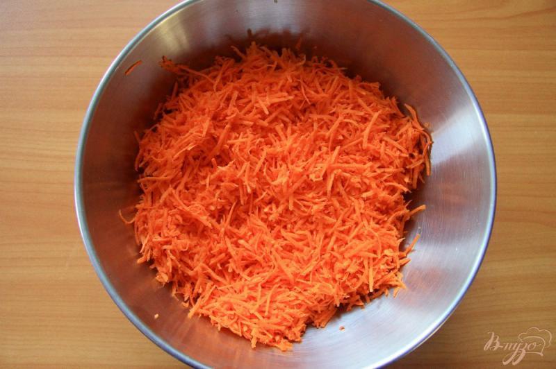 Фото приготовление рецепта: Морковное печенье с изюмом шаг №1