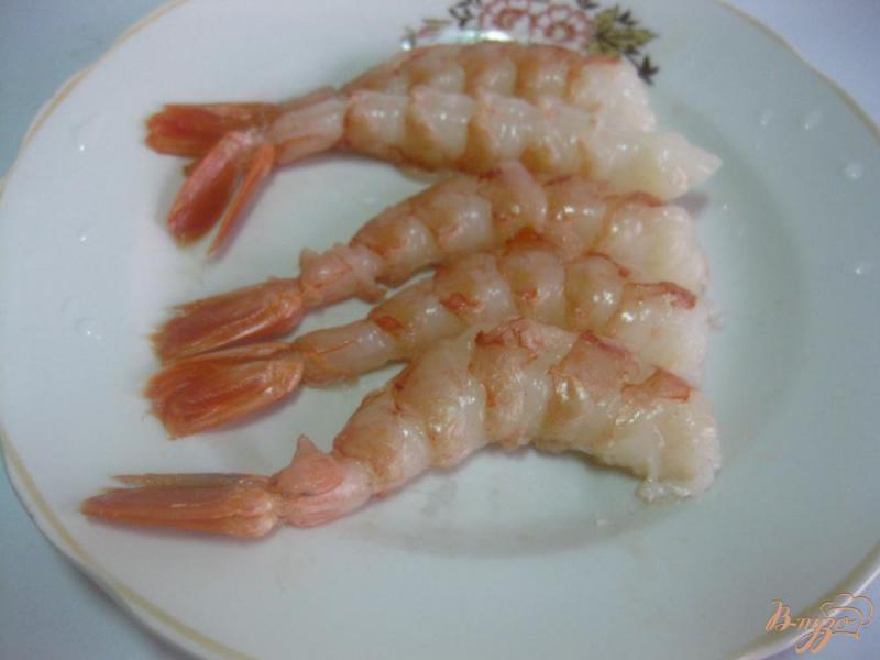 Фото приготовление рецепта: Креветки в соево-чесночном соусе шаг №3