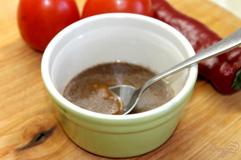 Фото приготовление рецепта: Пикантная заправка для овощных салатов шаг №5
