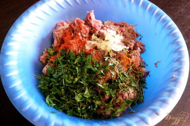 Фото приготовление рецепта: Люля-кебаб с зеленью шаг №2