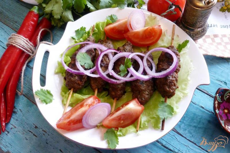 Фото приготовление рецепта: Люля-кебаб с зеленью шаг №5
