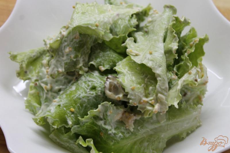 Фото приготовление рецепта: Салат « Цезарь» с курицей и перепелиными яйцами шаг №5