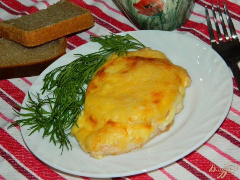 Фото приготовление рецепта: Куриные отбивные с ананасами шаг №4