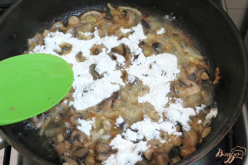 Фото приготовление рецепта: Ботвинья с грибами шаг №9